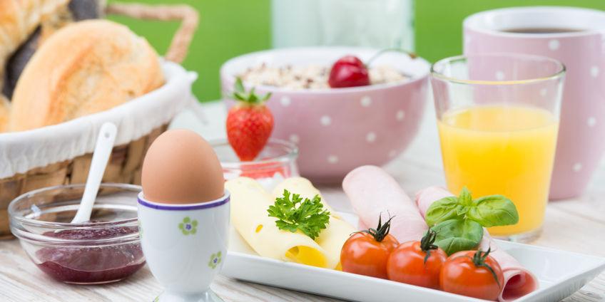 Frühstücksbüffet am Sonntag